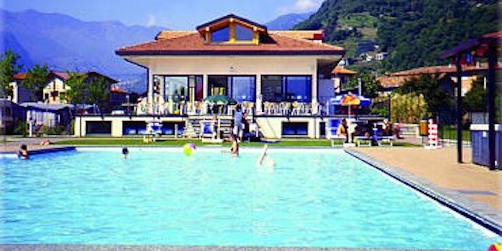 Svømmebassin på Camping Le Vele (100 mt)