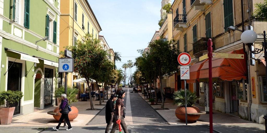 Den hyggelige gågaten i Diano Marina