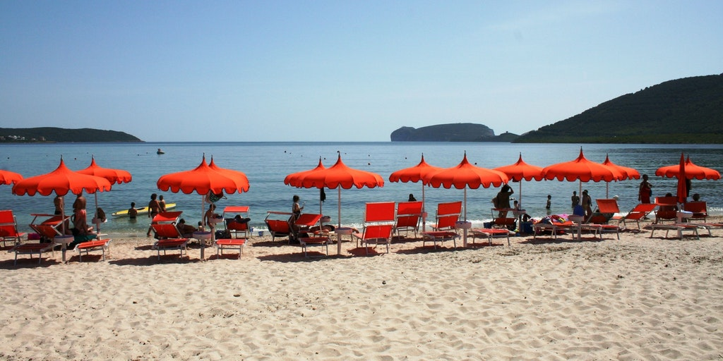 The delicious sandy beach at Mugoni