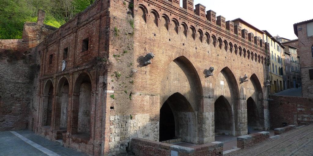 Fontaine médiévale Fontebranda
