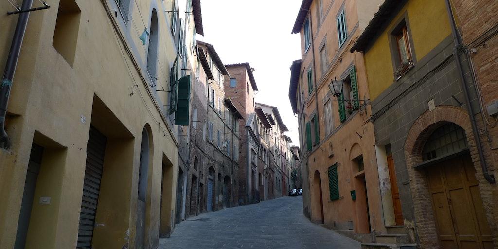 Via Casato di Sotto in Siena