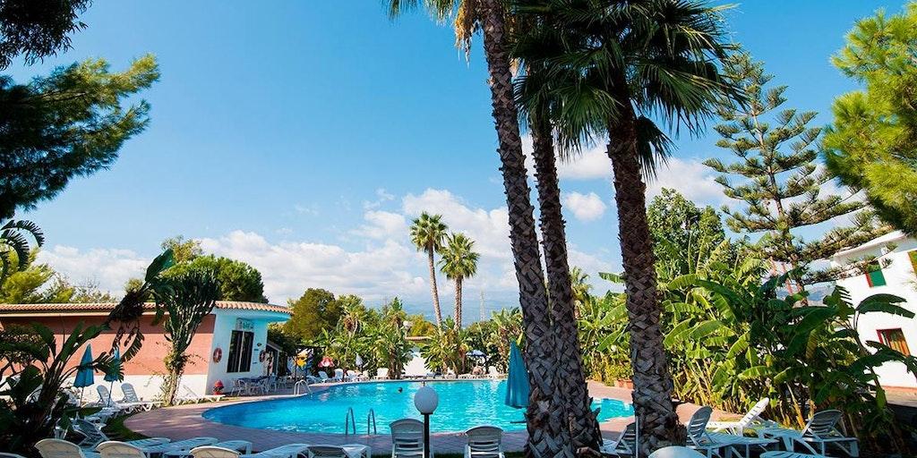 Villaggio alkantara feriebolig i giardini di naxos - I giardini di naxos ...