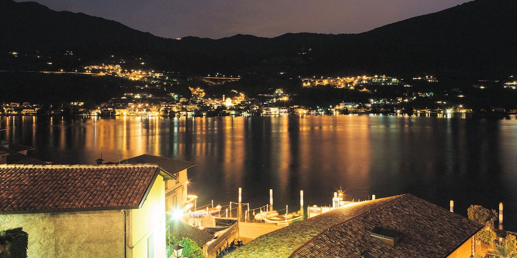 Lake Iseo in evening attire