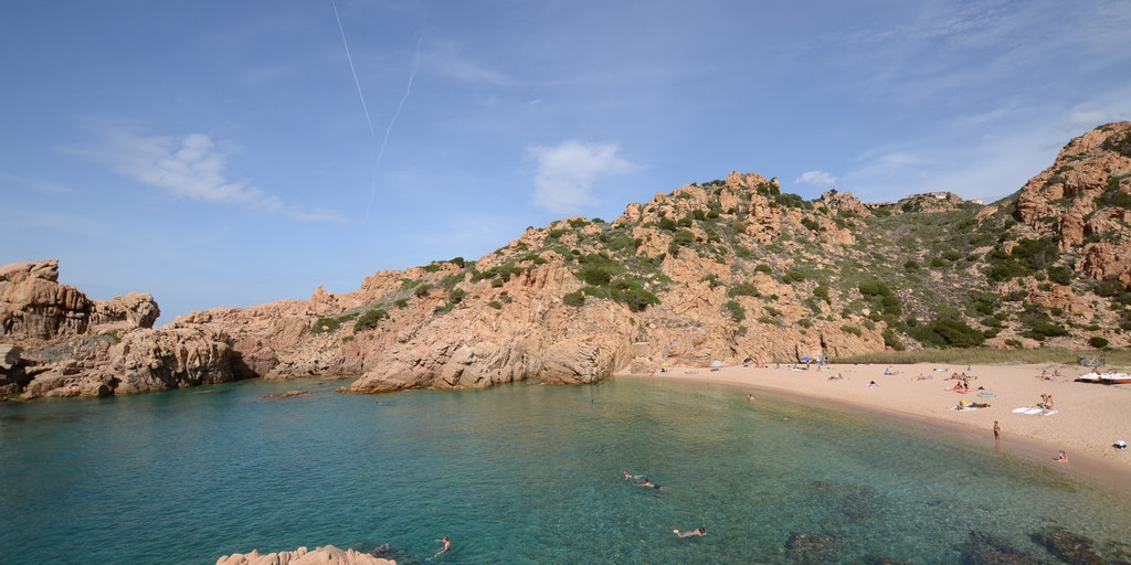 Stranden Li Cossi ved Costa Paradiso