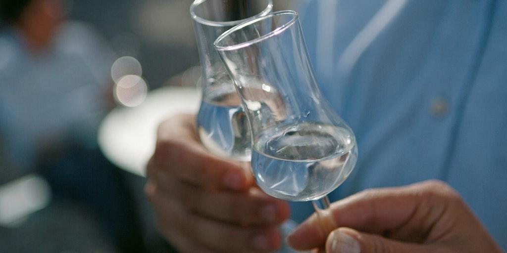 Grappa drikkes fra ekte grappa-glass