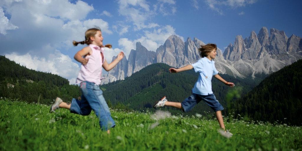 Lek i Val di Funes