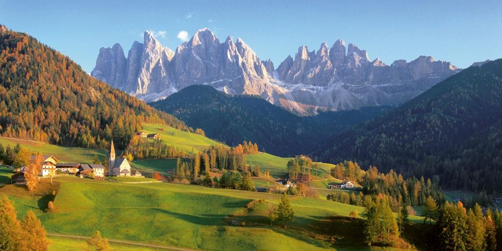 Die zahlreichen schönen Bergspitzen der Dolomiten