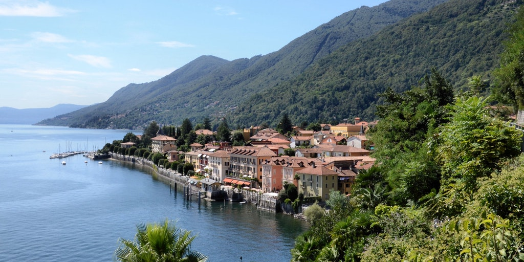 Discover Lago Maggiore relaxing atmosphere at Cannero Riviera