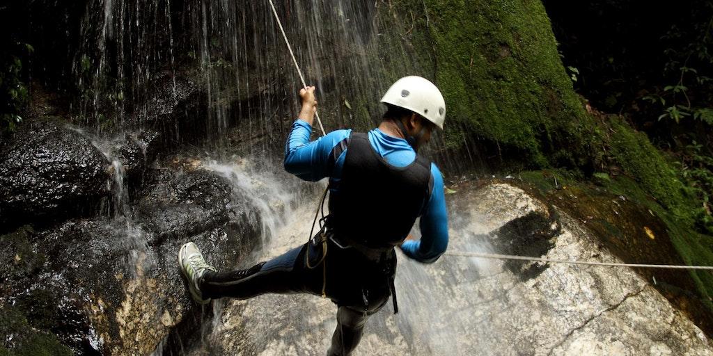 Flere steder i Italien kan man også klatre på spektakulære klippesider - med det rette udstyr og vejledning.
