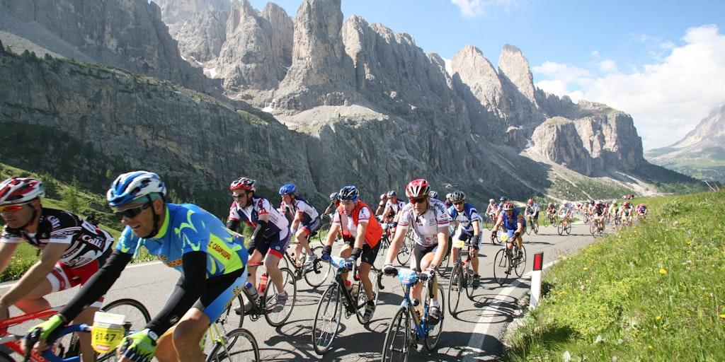 Maratona dles Dolomites er et motionscykelløb i Norditalien over 7 legendariske bjergpas.