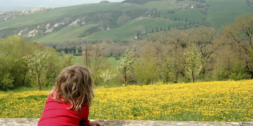 Avec vue sur les collines de la Toscane