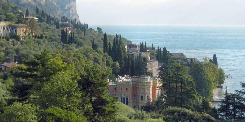 Vacker utsikt över Gardasjön