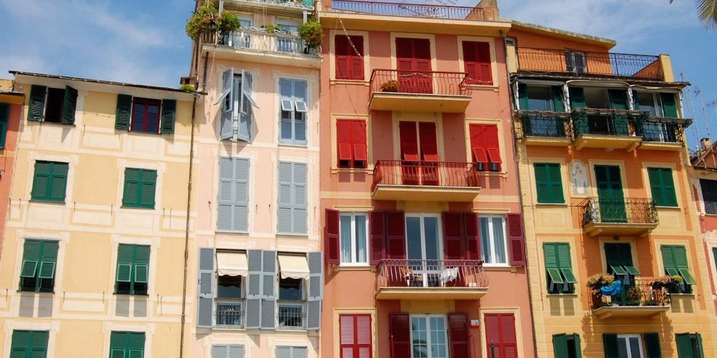 Klassiska riviera-färger i Santa Margherita Ligure