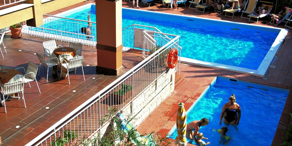 Separate children's pool