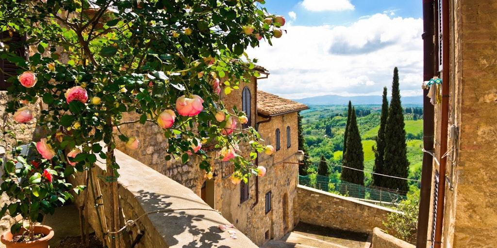 Oplev autentiske og historiske landsbyer på en ferie i Toscana