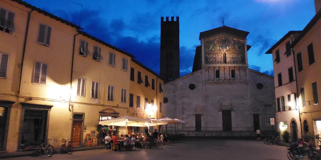 Aften i Lucca
