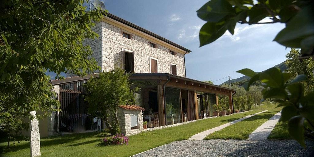 Hyr en villa vid Gardasjön - här Villa Gesi Relais i Negrar