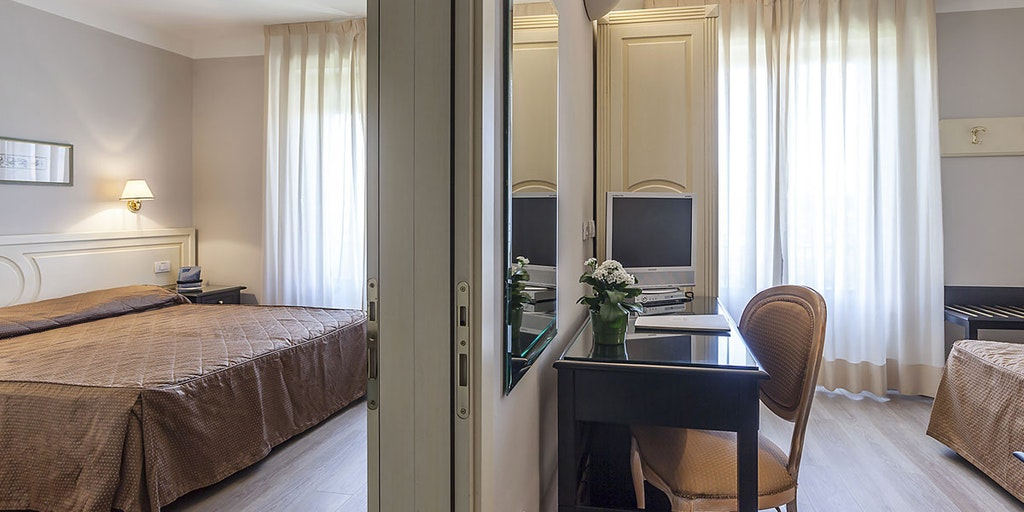 grand hotel bonanno h tel pise. Black Bedroom Furniture Sets. Home Design Ideas
