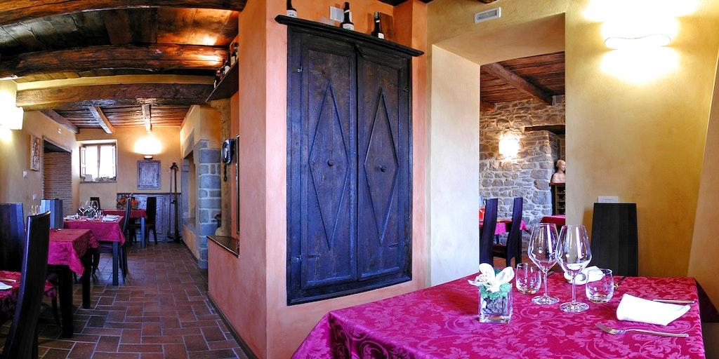 Das gute Restaurant Convivio dei Corsi auf dem Platz