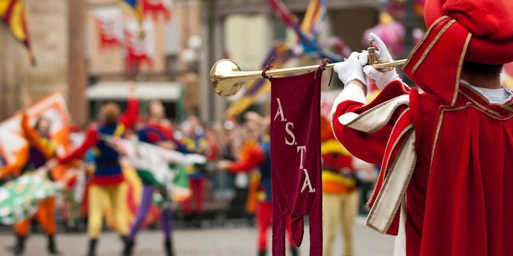 Optog ved årets hestevæddeløb, palio'en i Asti