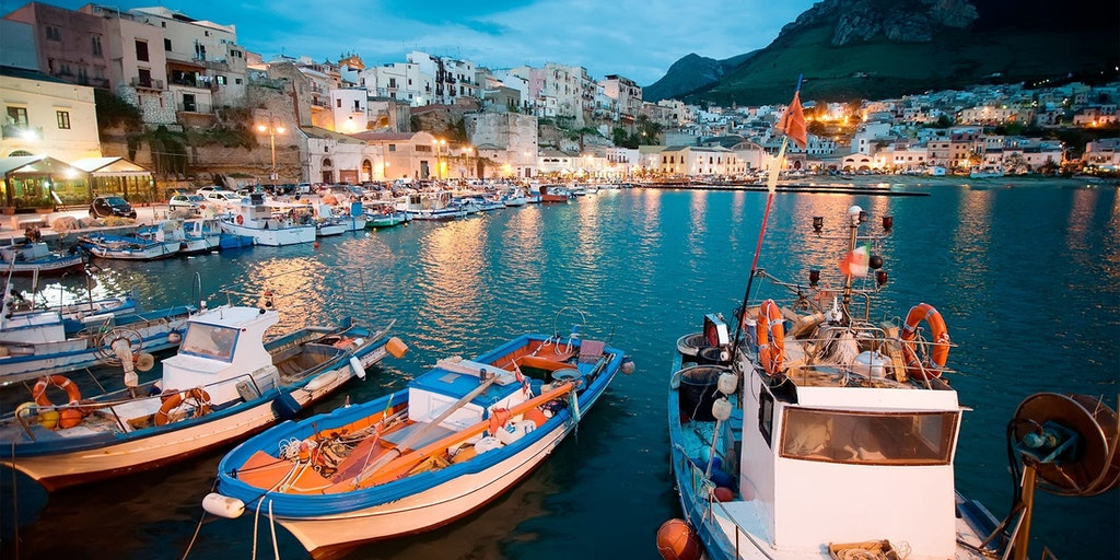 Den hyggelige havn i Castellammare del Golfo