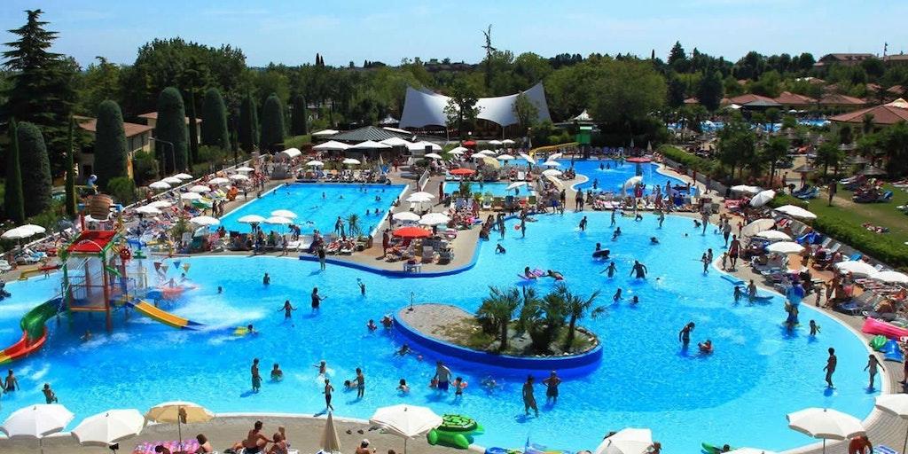 Tillgång till näraliggande poolområde är inkluderat