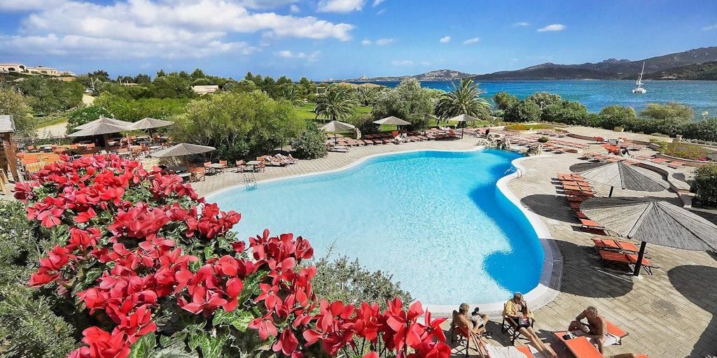 Dieser Pool gehört zum Hotel
