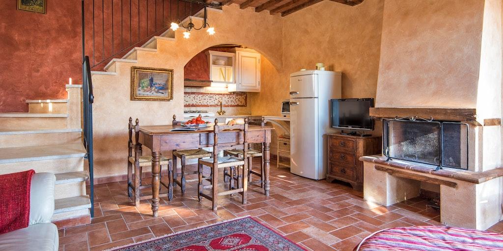 Dreizimmerwohnung auf zwei Etagen - Wohnraum mit Kamin