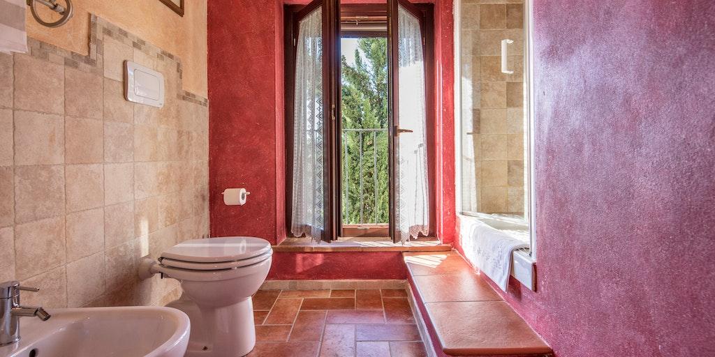 Dreizimmerwohnung auf zwei Etagen - Badezimmer