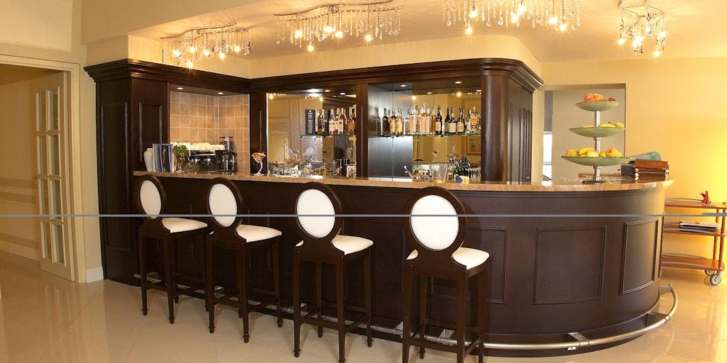 <p>Die Hotel-Bar</p>