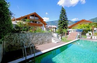 Locanda dello scalco hotel in piazzo im s dtirol for Sudtirol boutique hotel