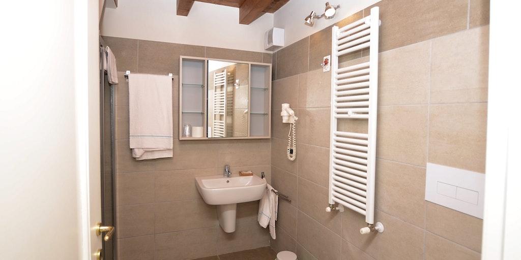 Beispiel für ein Bad in einer der Wohnungen
