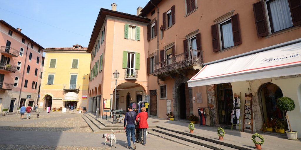 Bymidten i Iseo