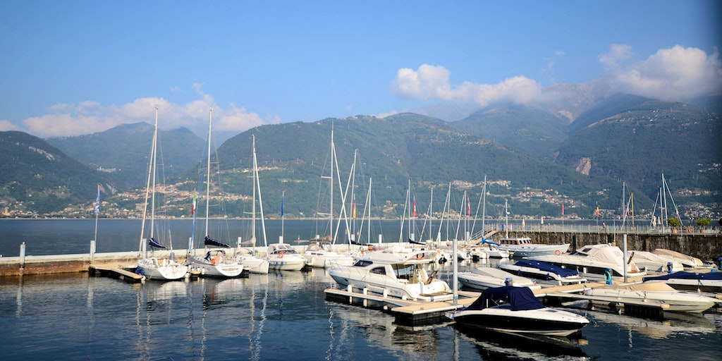 The marina and a view over Lake Como