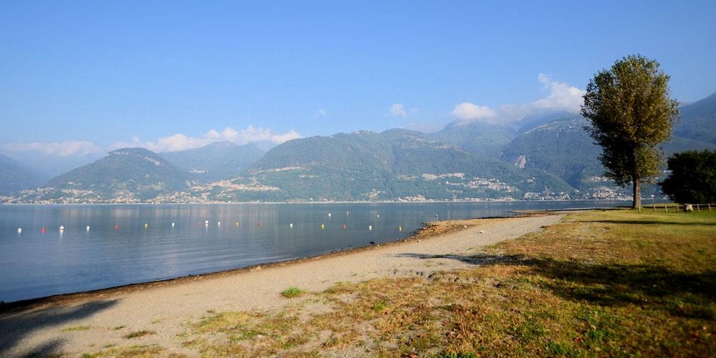 Der Strand in Colico