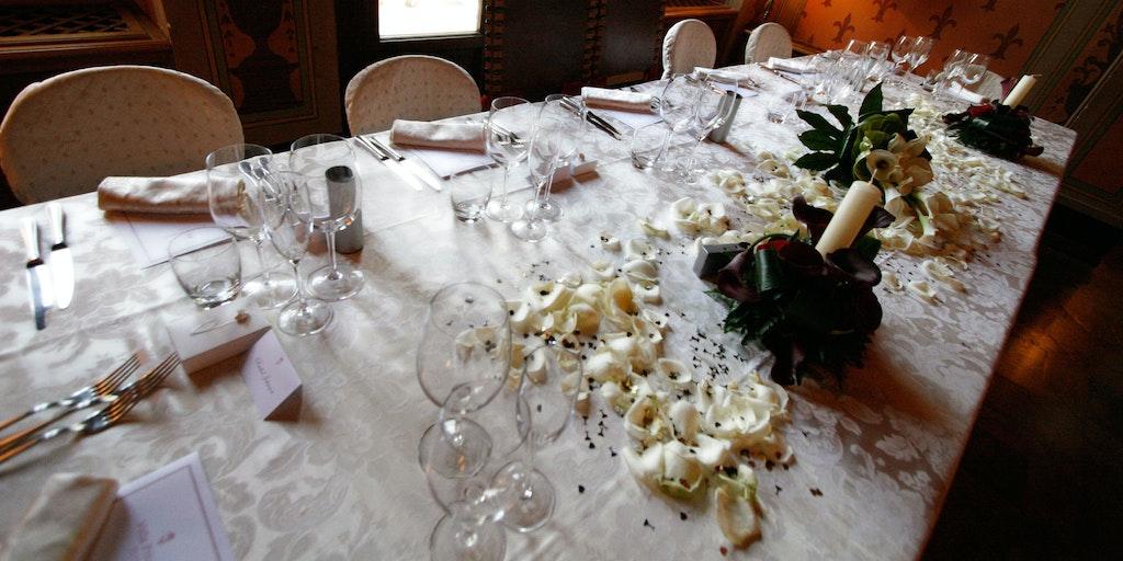 Eine italienische Hochzeit kann leicht mehr als 100 Gäste haben