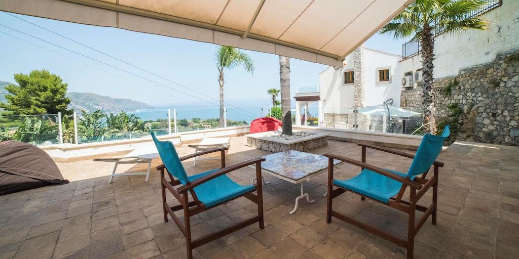 Utsikten från terrazza Piscina