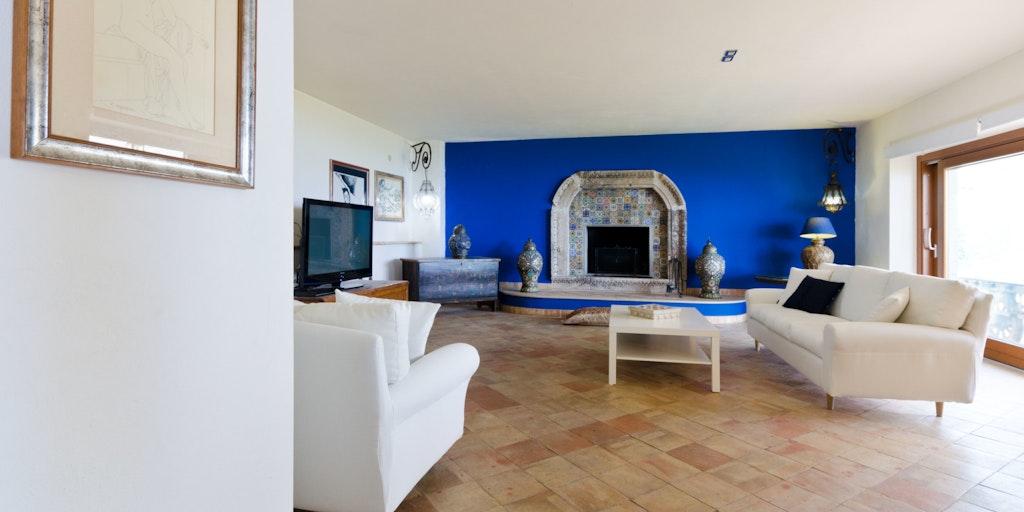 <p>Das große Wohnzimmer in der Wohnung Terrazza Camino</p>