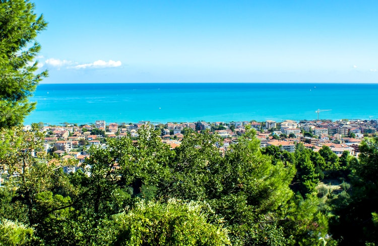 Pescara vacation | Book hotel / apartment here