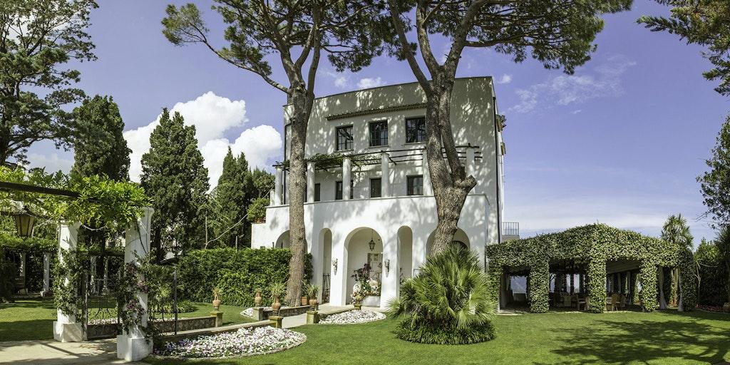 Skal du holde fest, kan det foregå i Villa Eva, som ligger tæt på Villa Maria.