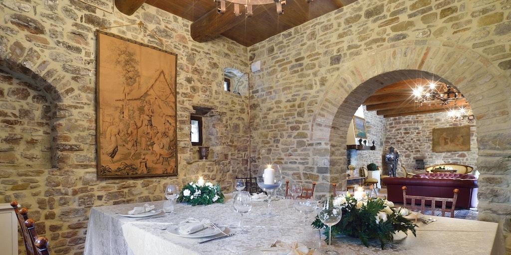 <p>Das Restaurant im Schloss von Sorgnano</p>