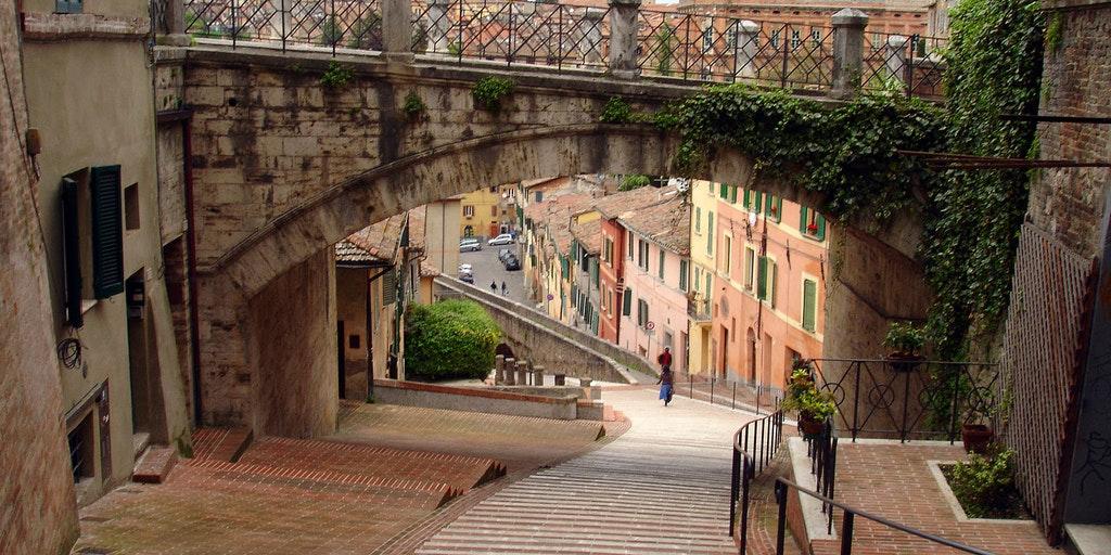 Upplev den trevliga stadskärnan när du reser till Perugia med In-Italia (foto: Flick, scudsone)