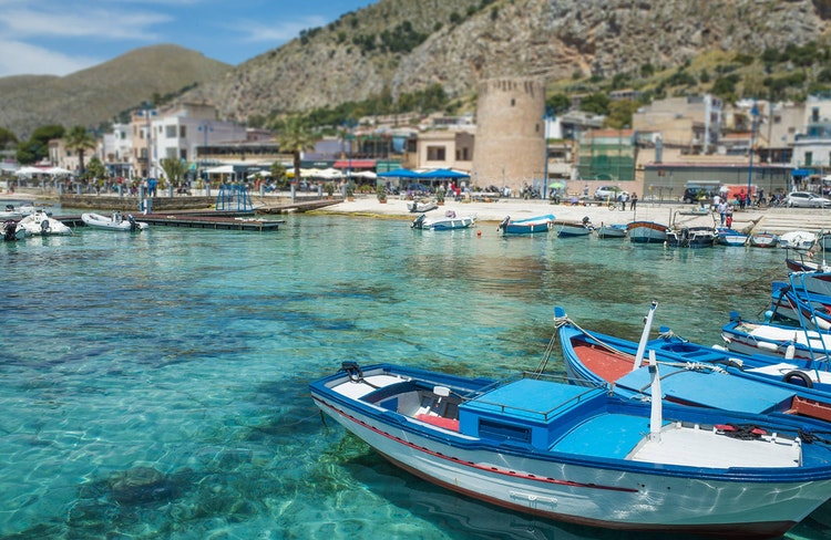 Holiday Apartments Villas And Hotels In Mondello