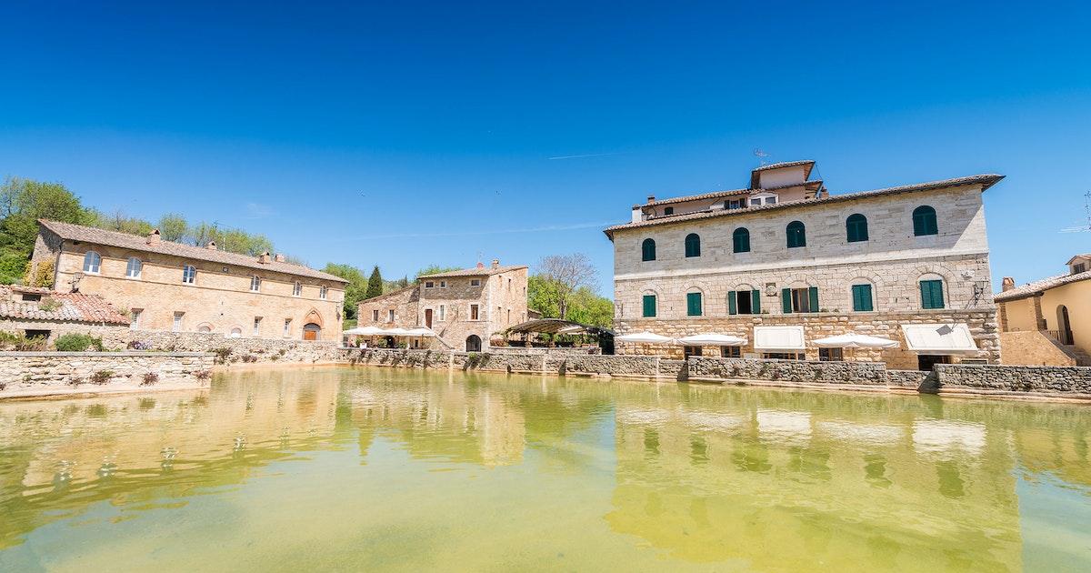 Bagno vignoni toscana ferie bestill hotell feriehus her for O bagno vignoni