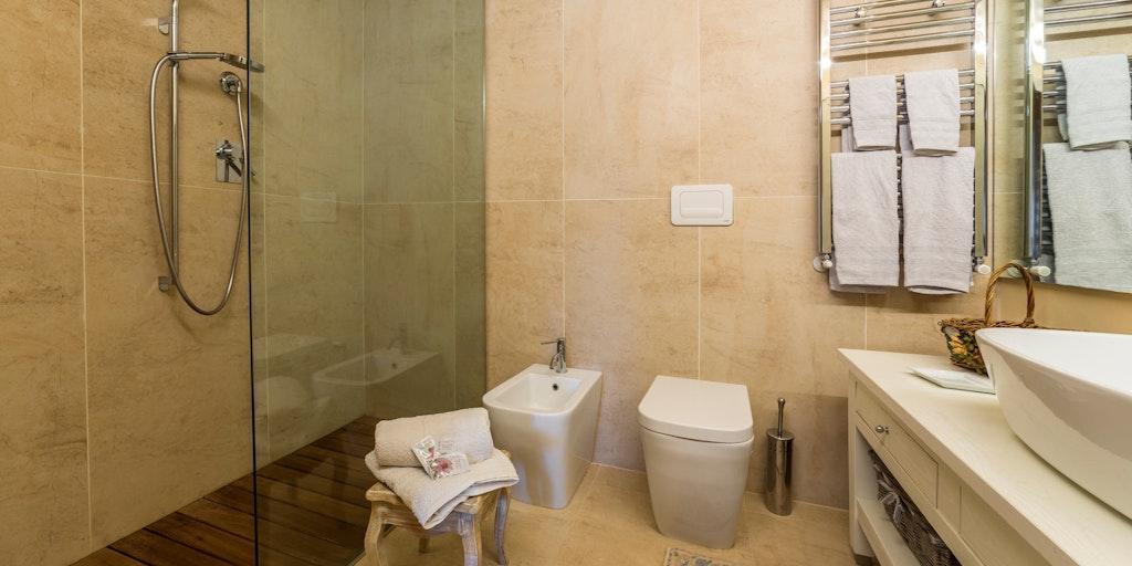Zweizimmerwohnung im 1. Stock - Badezimmer