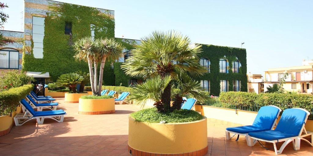 Caesar palace hotell i giardini di naxos p sicilien - I giardini di naxos ...