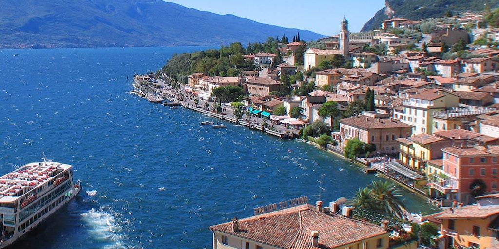 Die gemütliche Stadt Limone sul Garda