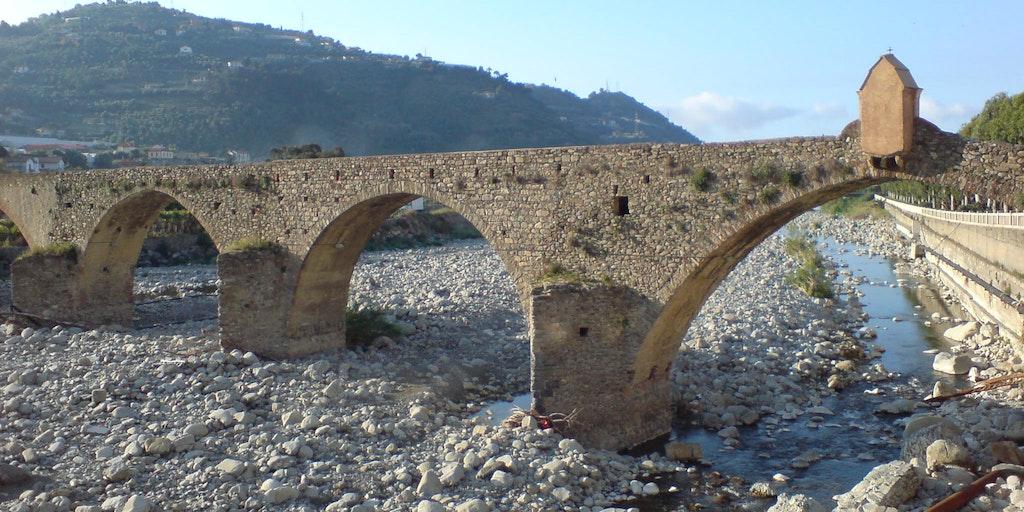 Pont romain sur la rivière Taggia