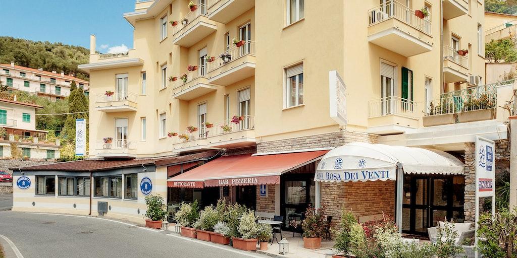 Hotellet ligger i det lille lokalsamfund Fiascherino