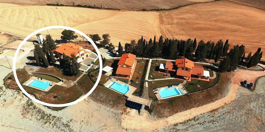 Borgo del Silenzio vu du ciel - et les deux villas voisines: Villa Ludovica et Villa Marina